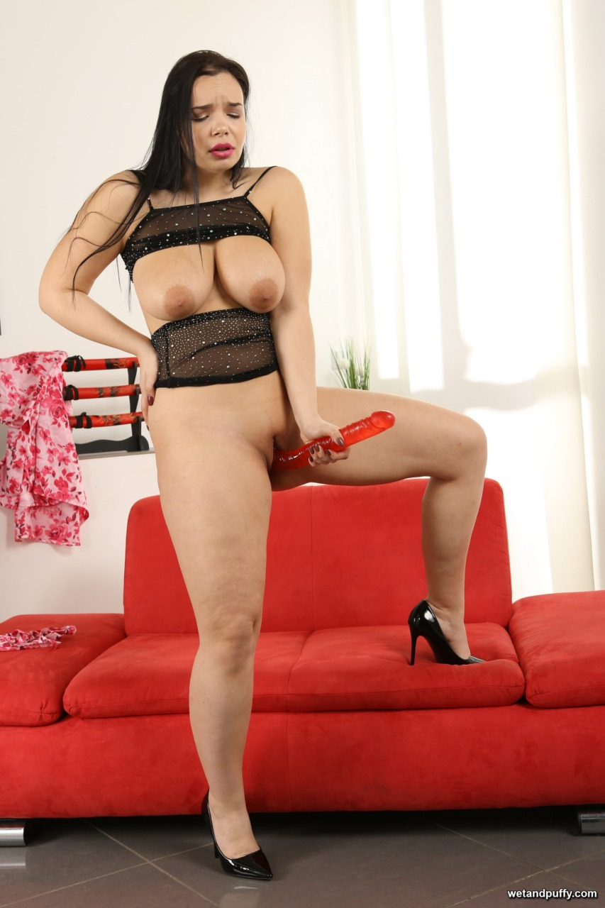 Wet & Puffy Sofia Lee - Filled Up Peach 14