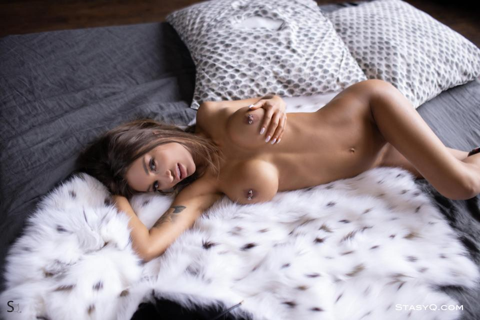StasyQ: BabeSource.com: MirandaQ - 1