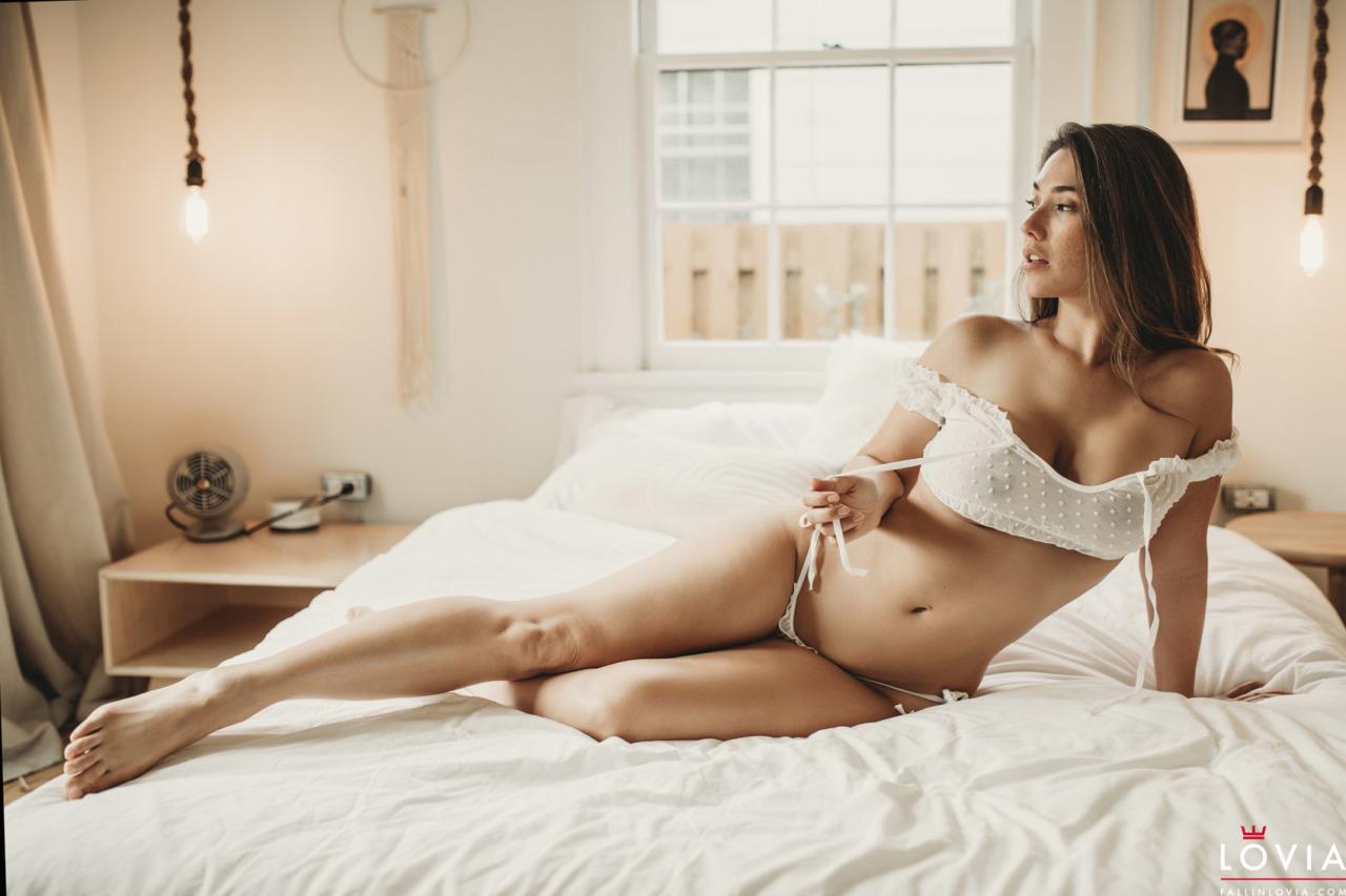 Eva Lovia - Dreamy 1
