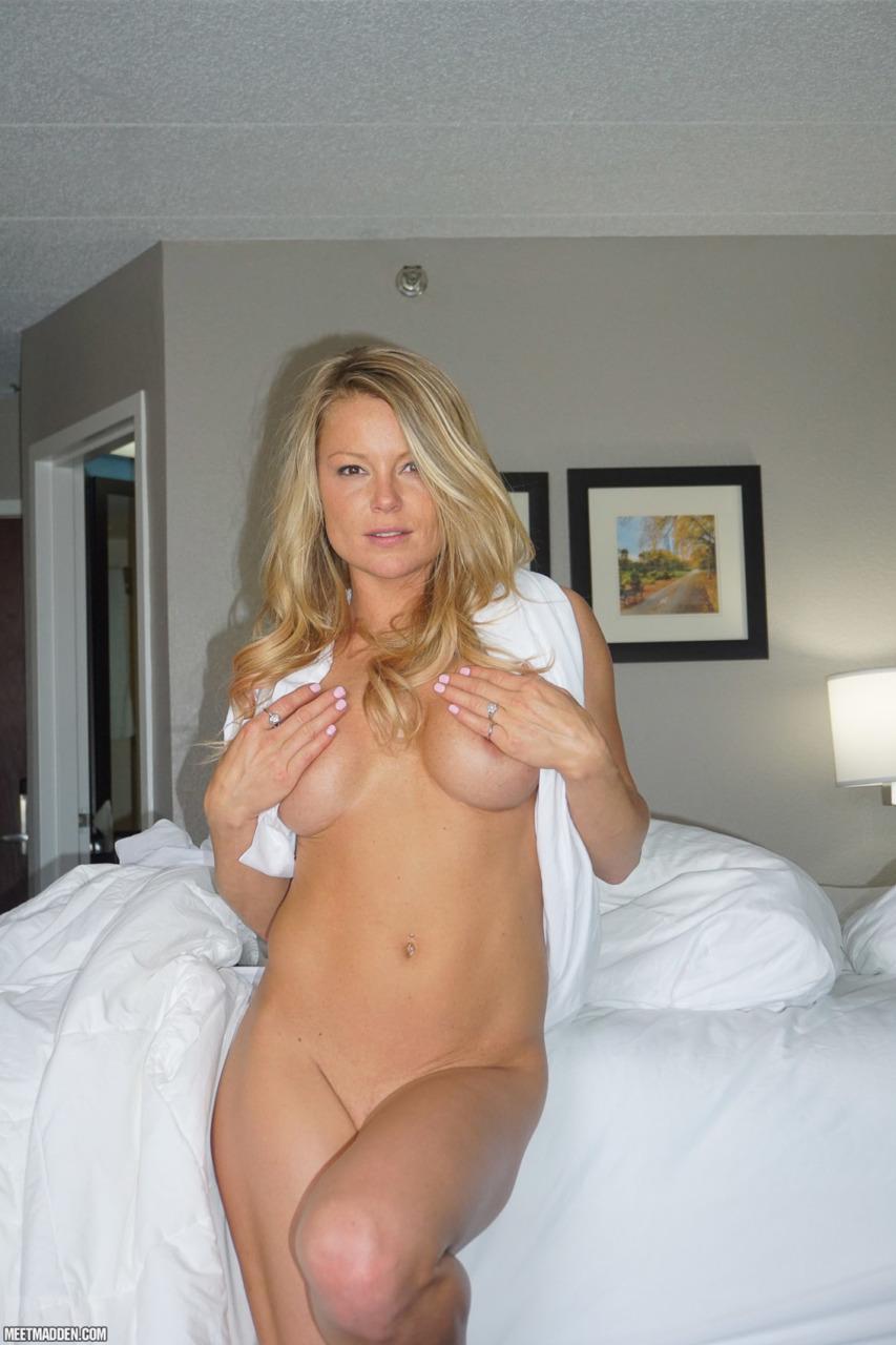 Meet Madden - Naked N Curls 11