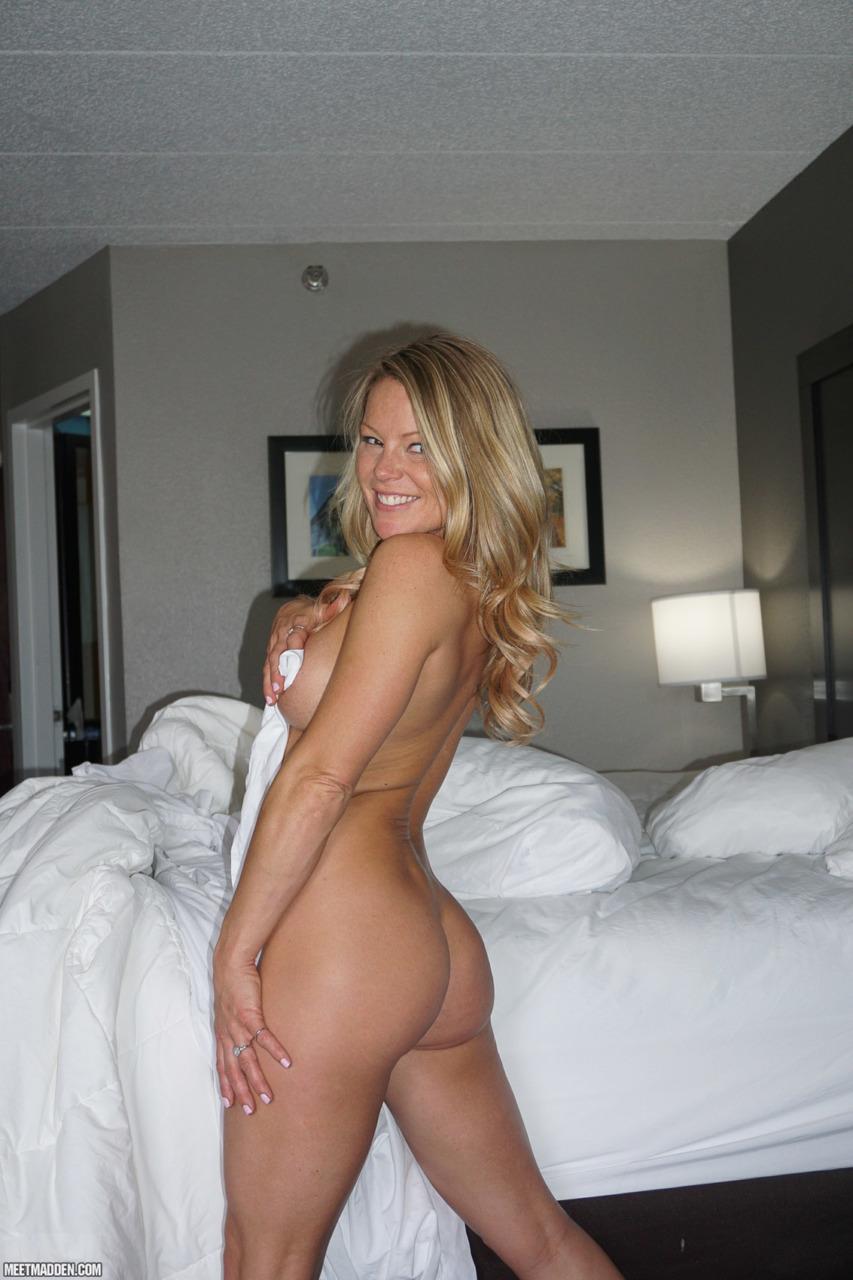 Meet Madden - Naked N Curls 12