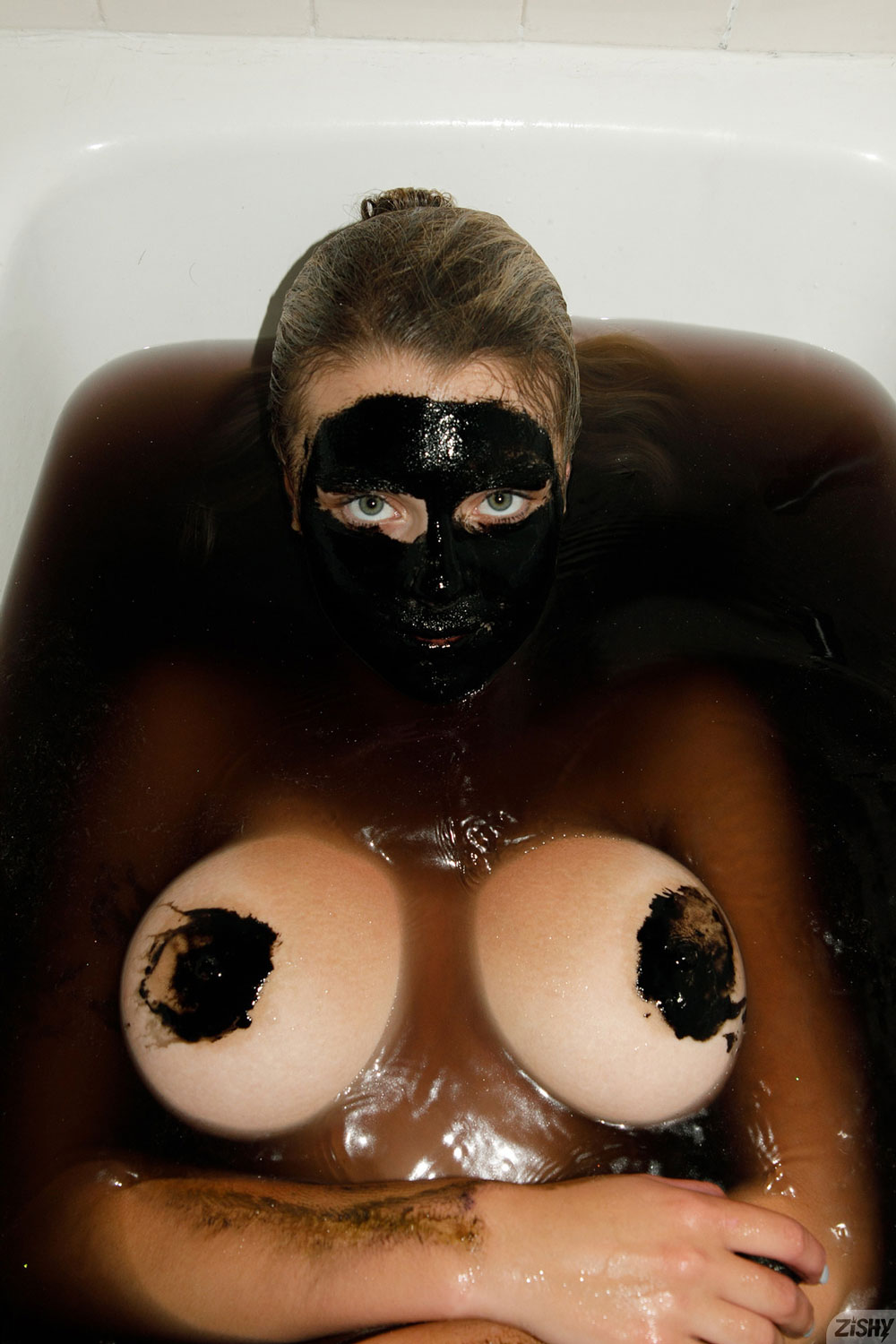 Zishy: Gabbie Carter with a Face Mask 5