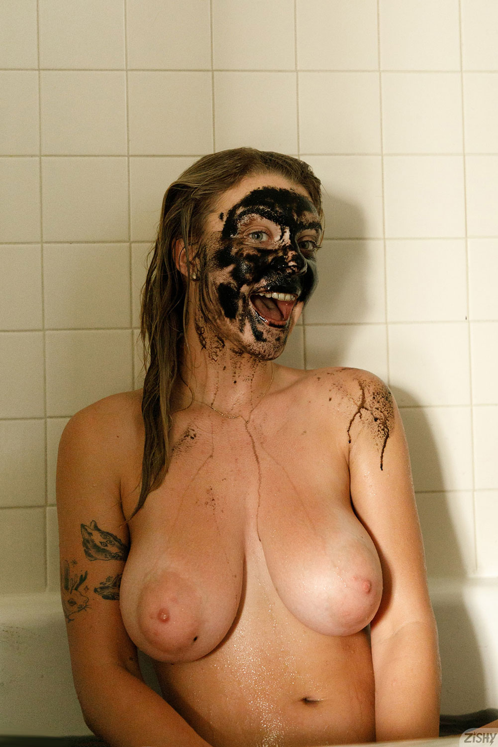 Zishy: Gabbie Carter with a Face Mask 8