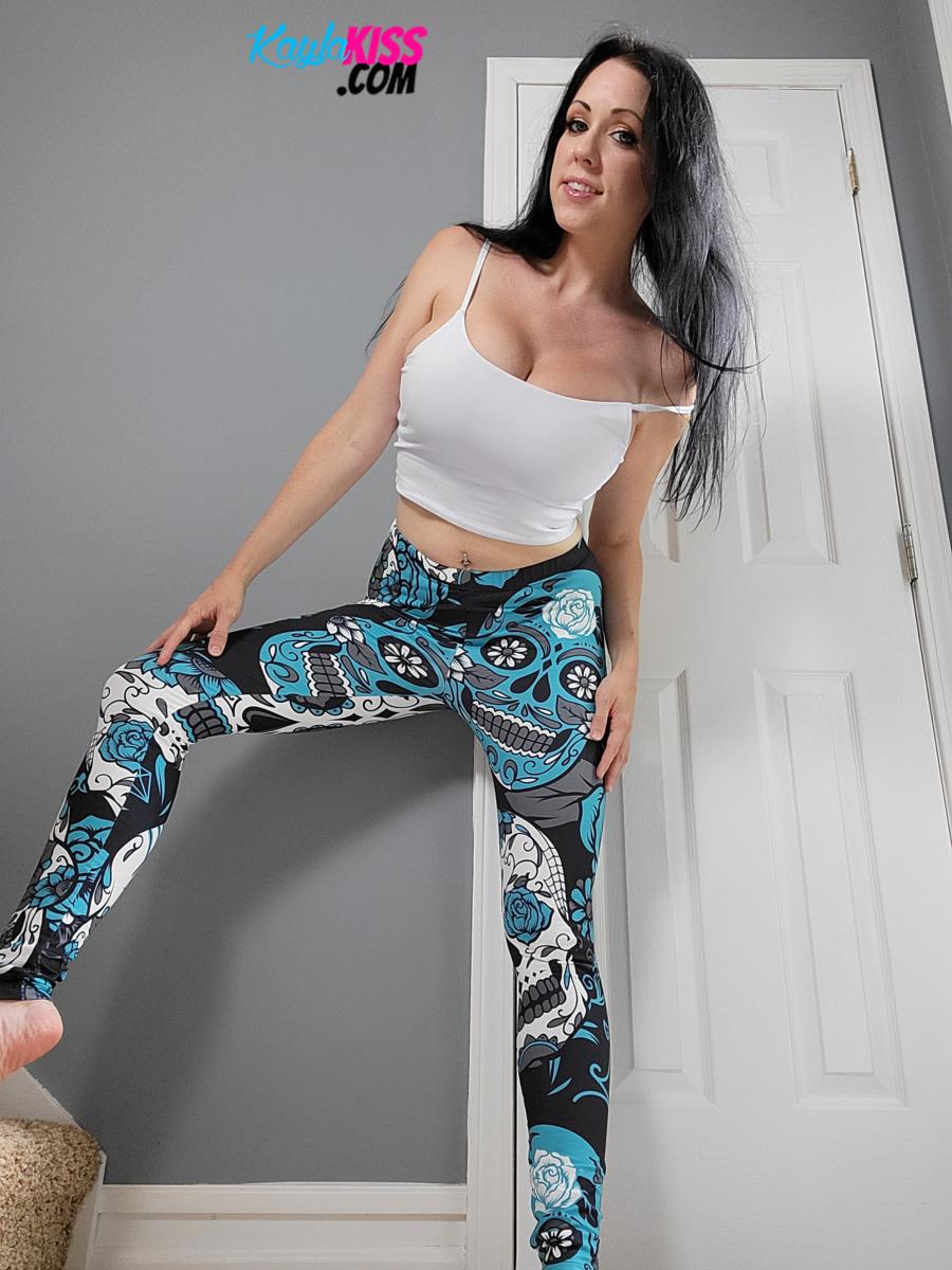 Kayla Kiss - Tank Top And Leggings 6