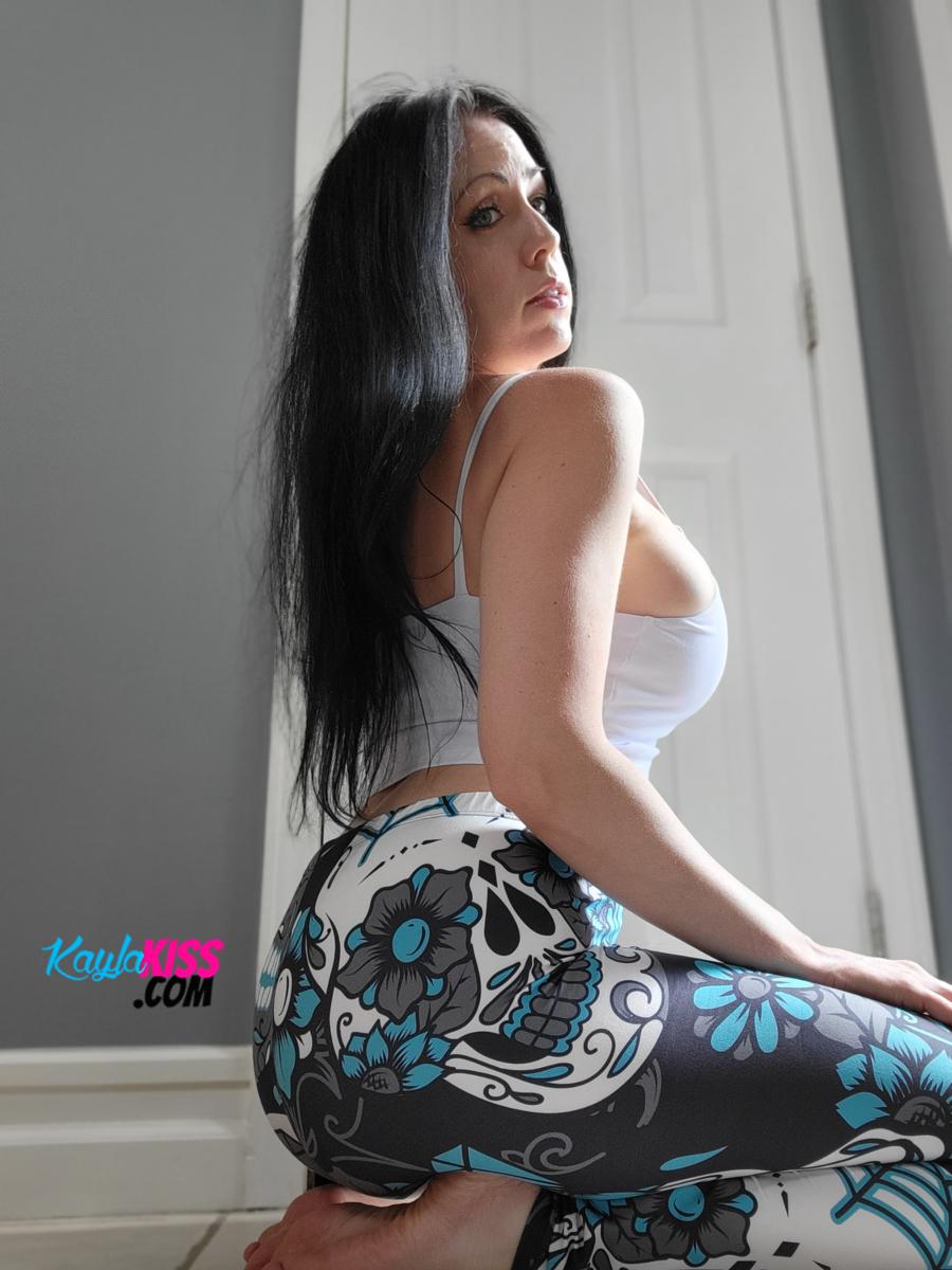 Kayla Kiss - Tank Top And Leggings 10