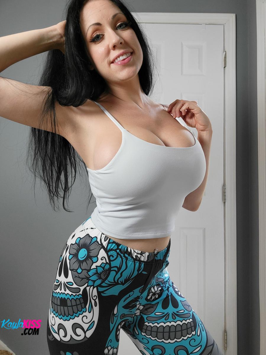 Kayla Kiss - Tank Top And Leggings 1