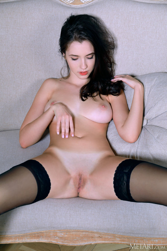 Zishy: Velana Sexy Striptease 6