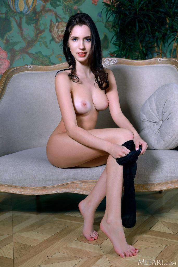 Zishy: Velana Sexy Striptease 7