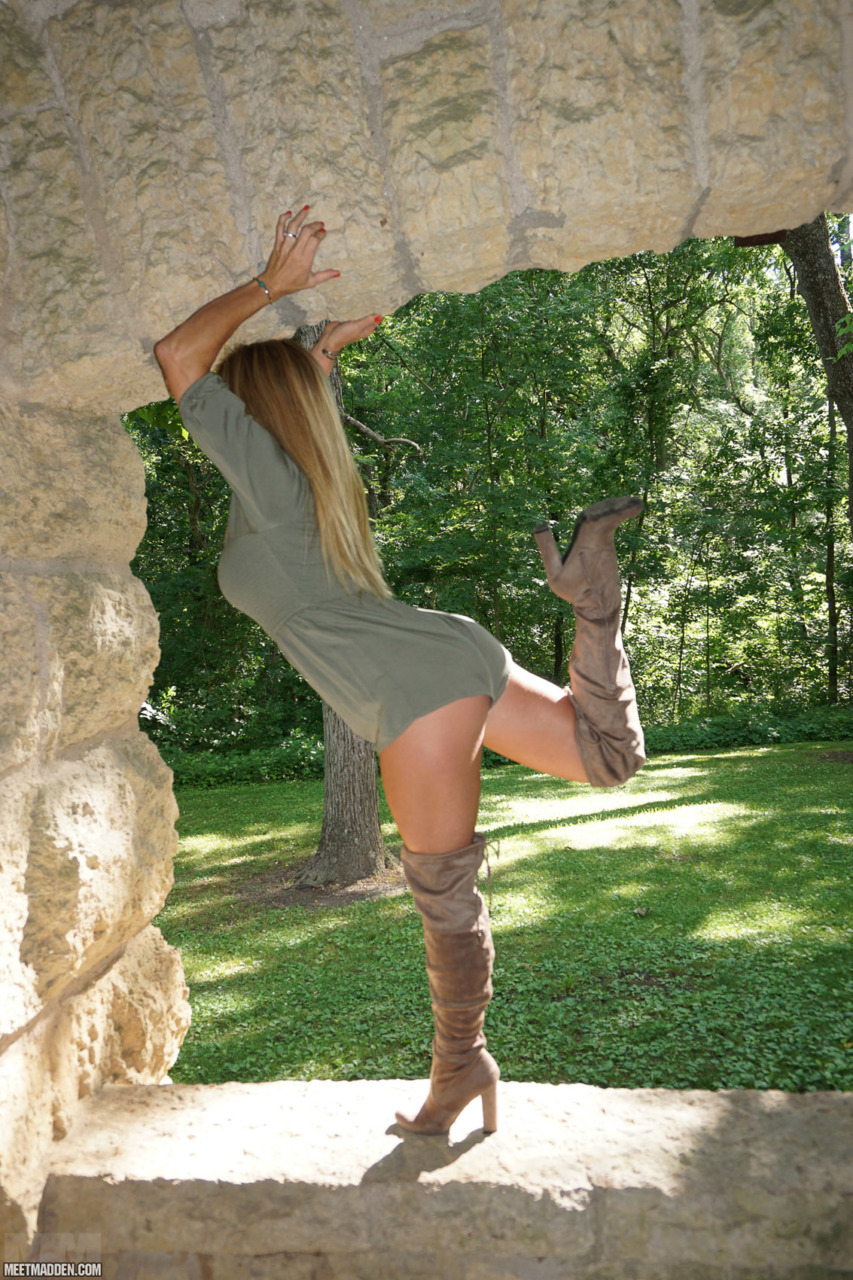 Meet Madden - Stone Window 2