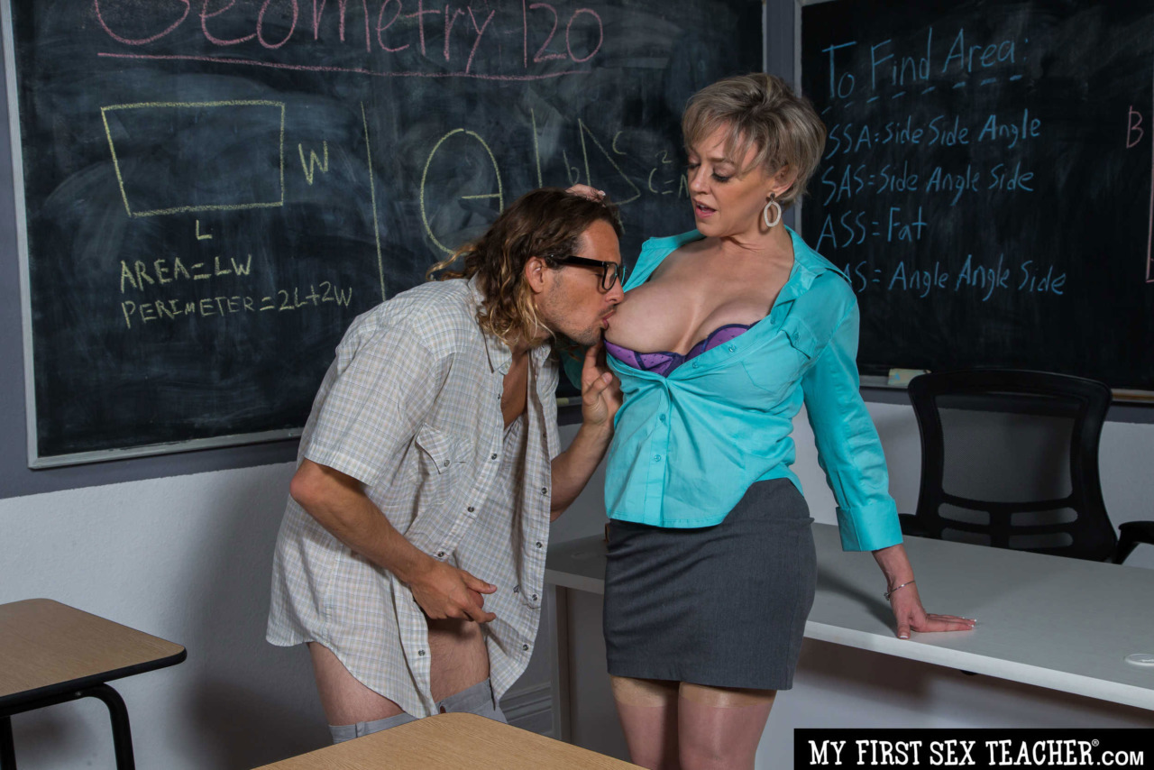 Girlsway - Dee Williams Rides her Student 2