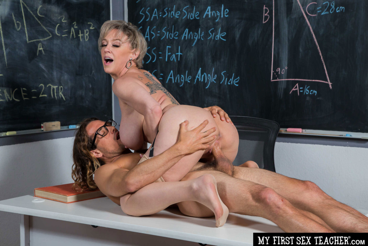 Girlsway - Dee Williams Rides her Student 11