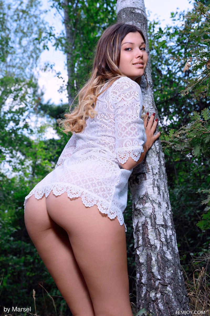 Zishy: Stefania Beatty Nymph in the Wild 4