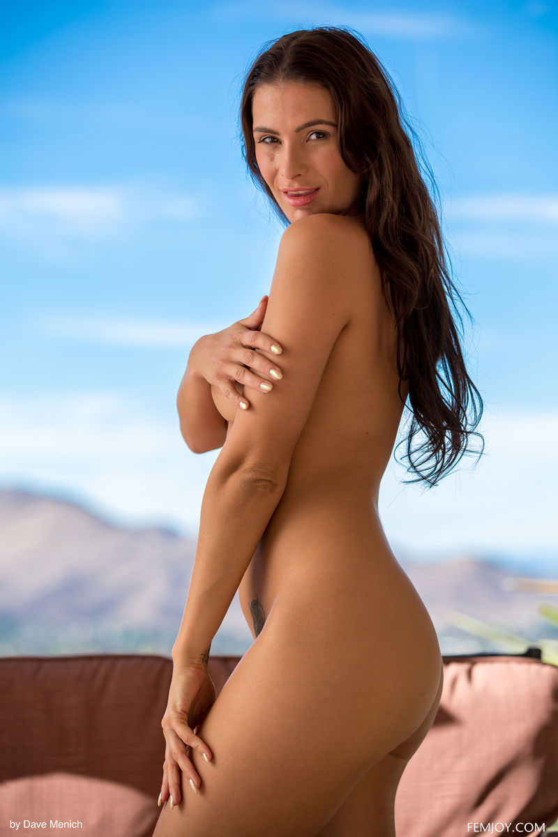 Zishy: Cosmo Takes off her Thong 4