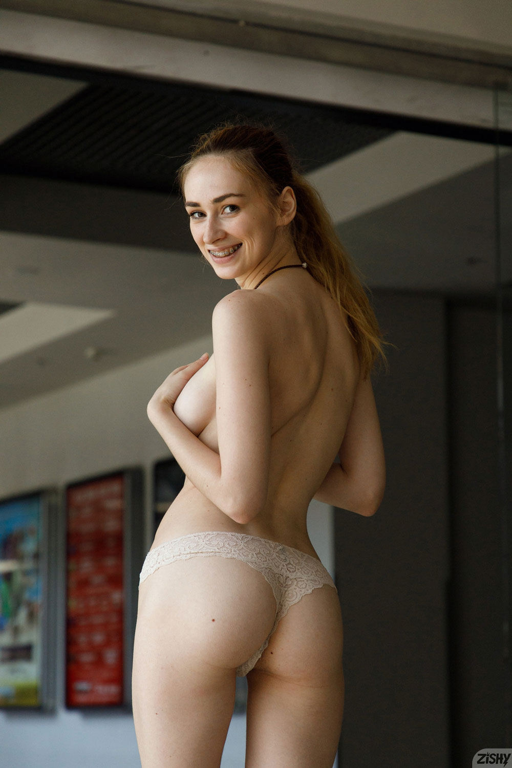 Zishy: Yana West At The Theater 11