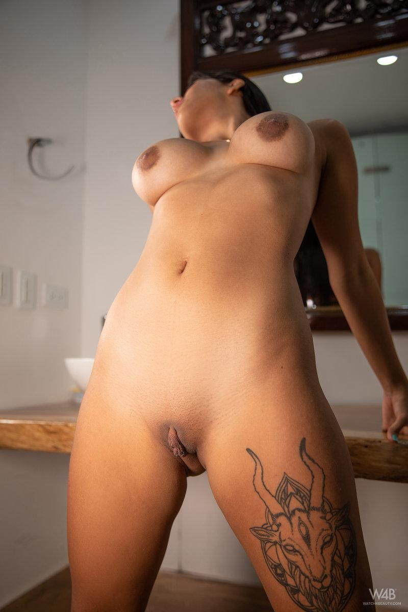 Iris Lucky A Little Something Extra 11